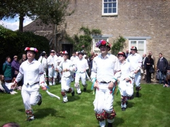 View the gallery : Morris Dancing Day